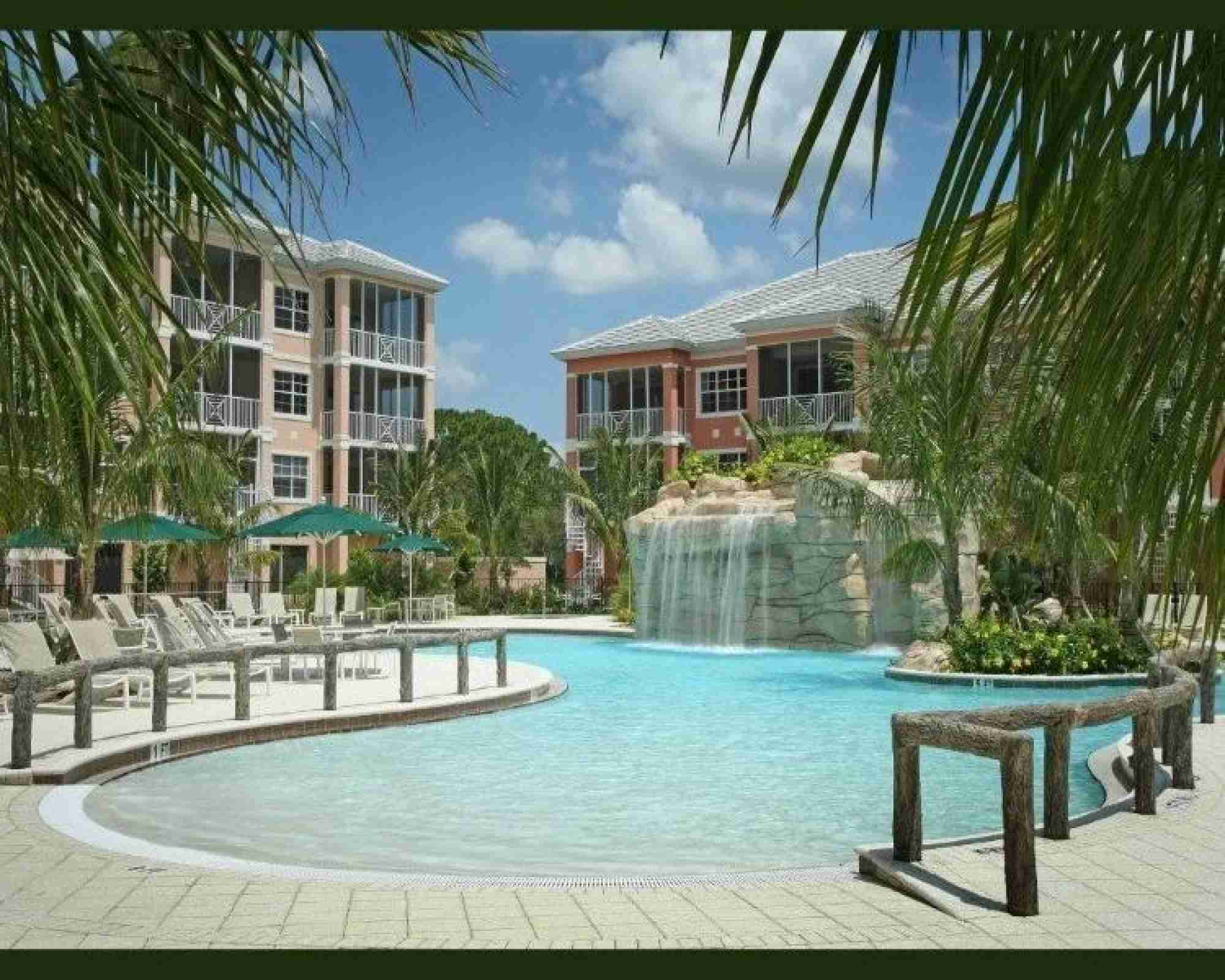 Beach Entry Resort Pool!