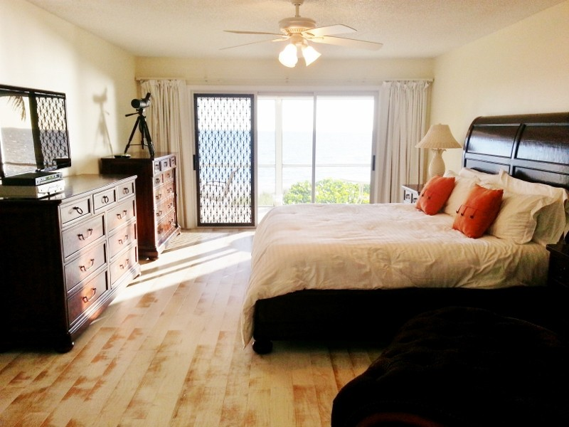 A big Master Suite also provides a superb beach view!